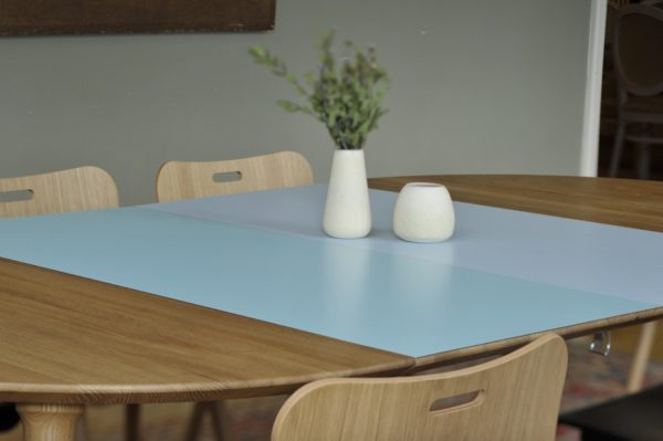 Eat spisebord ovalt højtrykslaminat - Via CPH